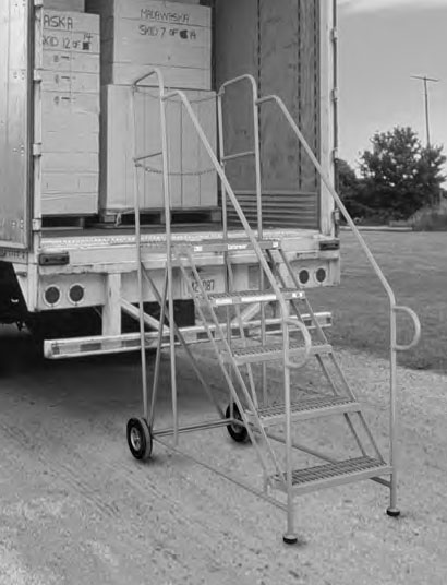 ACCESS PLATFORM - TRAILER ACCESS LADDER-1